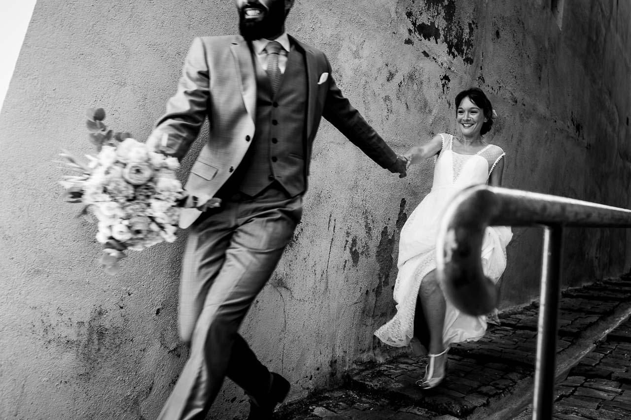 Photo d'un couple de mariés lors de leurs séance day after après leur mariage près de Béziers