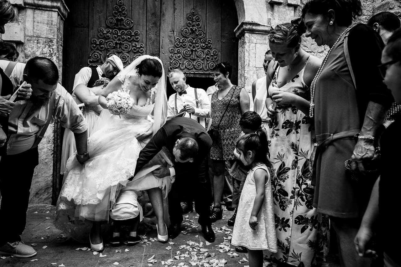 Photo de mariage récompensée pour une sortie d'église originale
