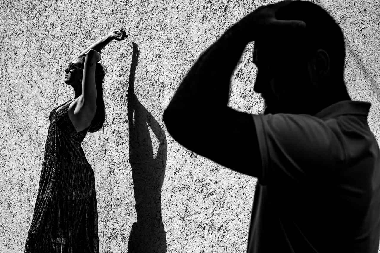 Portrait créatif lors d'une séance couple à Cadaquès en Espagne