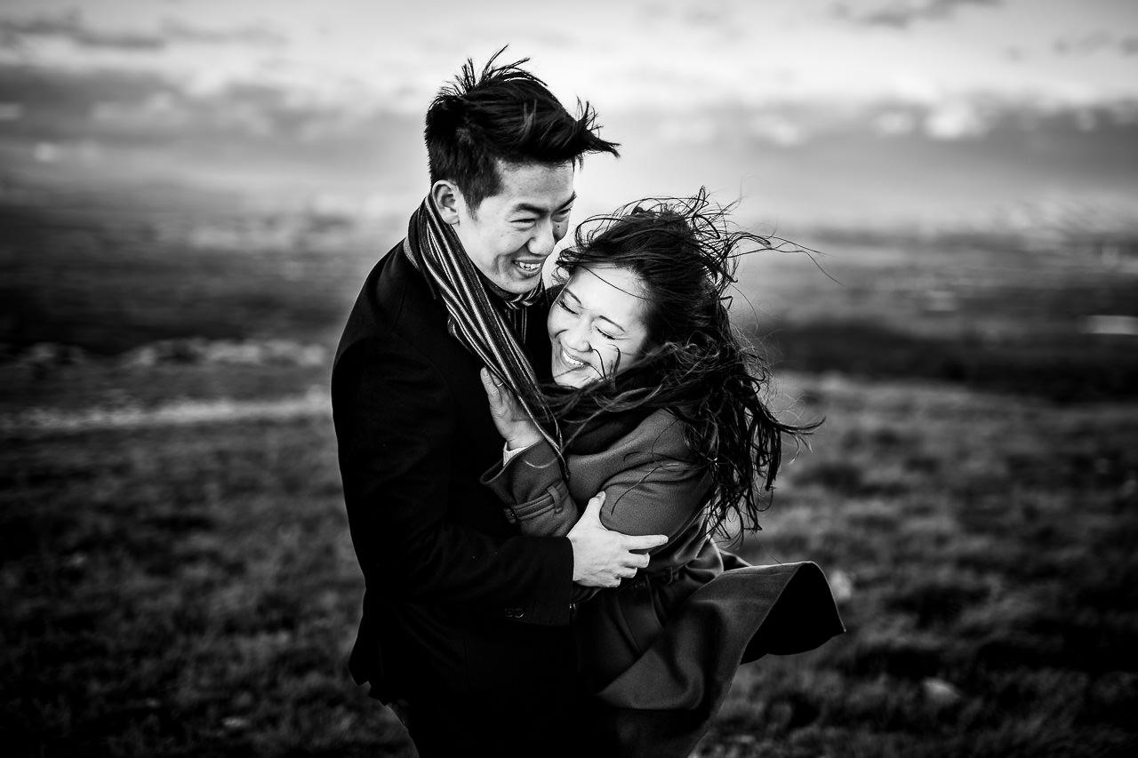 Photo d'un couple anglais pendant leur Love Session près de Perpignan