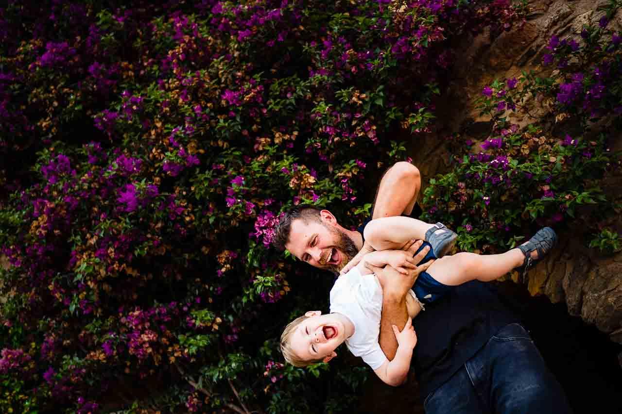 Photos de famille d'un père et son enfant en occitanie